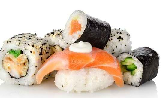 Amankah Mengonsumsi Sushi